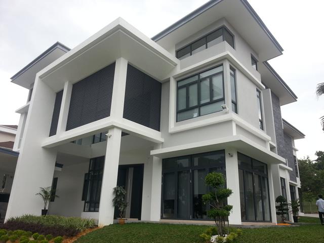 rumah 3 tingkat